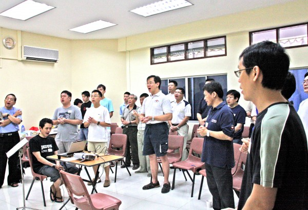 090704 Mens Group 1st Mtg (26)